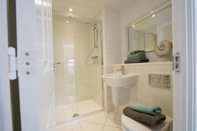 5. Typical En Suite