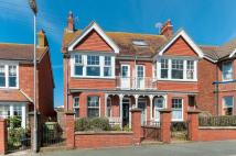 5 bed house in Ashurst Road, Seaford...