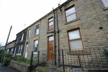 Terraced property to rent in Oxford Road, Gomersal...