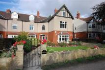 Apartment for sale in Marsh Grove Road...