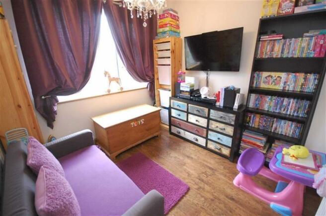 Bedroom 4/Play Room/