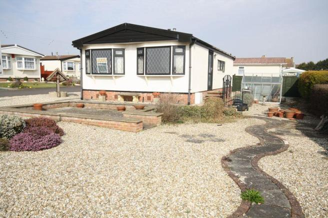 2 Bedroom Park Home For Sale In Brean BURNHAM ON SEA TA8