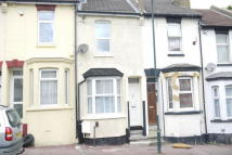 3 bed property to rent in Castle Road, Chatham