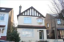 3 bedroom Detached house in Gravesend, DA12