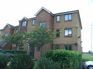 2 bed Ground Flat to rent in Dartford, Kent