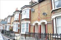 Terraced house to rent in Gravesend, Kent
