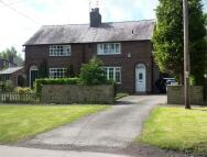 3 bedroom semi detached property to rent in Oak Road...