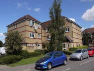 Flat in Lewes Close, GRAYS, Essex