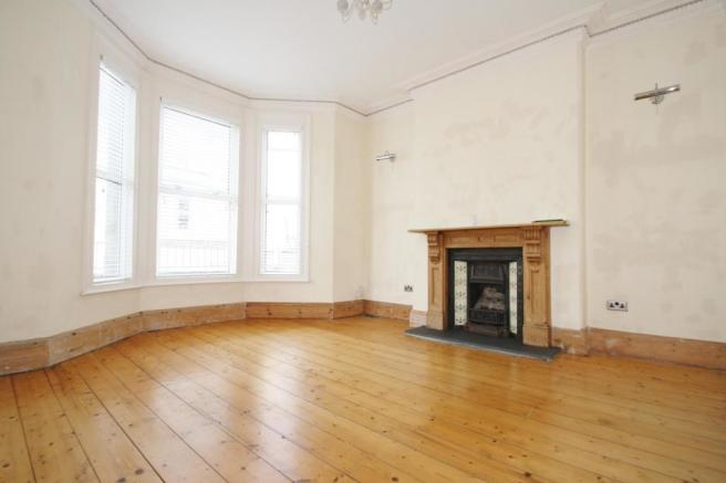 Lounge-3-bed-house-SeaViewAvenue-Plymouth
