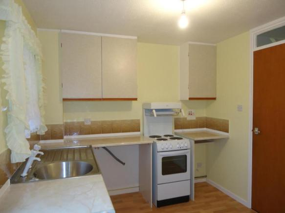 Kitchen-2-bed-house-FlamsteedCrescent-Plymouth