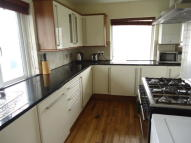 3 bed Flat to rent in Woodford Avenue...