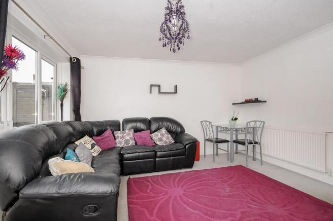Lounge-3bed-terracedhouse-DrakeCourt-Plymouth