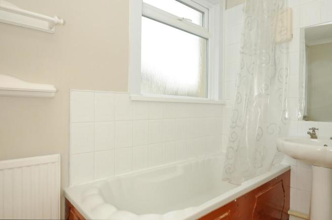 Bathroom-1-bed-flat-BritanniaPlace-Plymouth