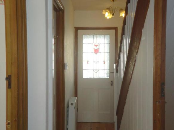 Hallway-3-bed-house-MainstoneAvenue-Plymouth
