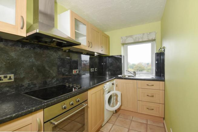 Kitchen-1bedflat-BroomPark-Plymouth