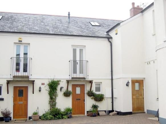 Exterior-2-bed-cottage-BarrackStreet-Plymouth