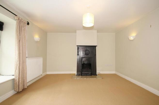 Lounge-2-bed-cottage-BarrackStreet-Plymouth