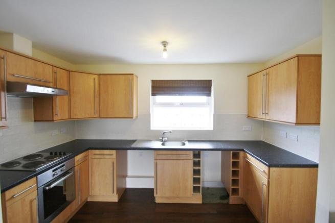Kitchen-2-bed-flat-JunctionGardens-Plymouth