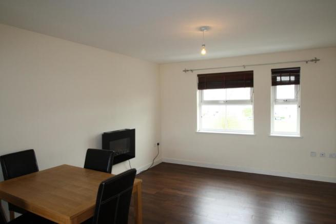 Lounge-2-bed-flat-JunctionGardens-Plymouth
