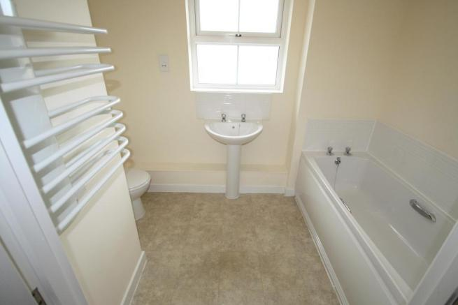 Bathroom-2-bed-flat-JunctionGardens-Plymouth
