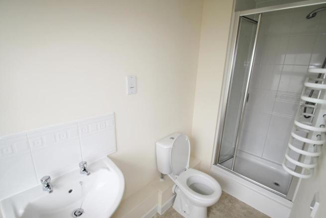 MasterEn-Suite-2-bed-flat-JunctionGardens-Plymouth