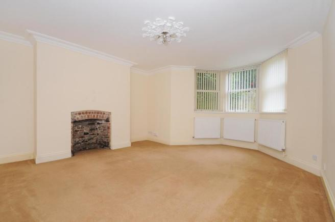 Lounge-2-bed-flat-MannameadRoad-Plymouth