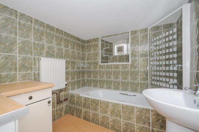 Bathroom-2-bed-flat-MannameadRoad-Plymouth