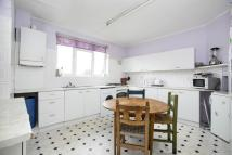 3 bed Flat to rent in Gunnersbury Lane, Acton...