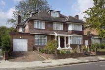 6 bedroom property to rent in The Ridings, Hanger Hill...