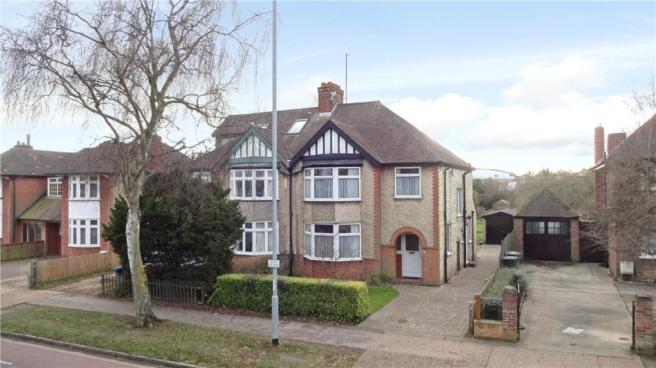 3 Bedroom Semi Detached House For Sale In Gilbert Road Cambridge Cb4 Cb4