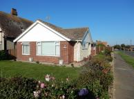 2 bed Detached Bungalow in Kings Parade...