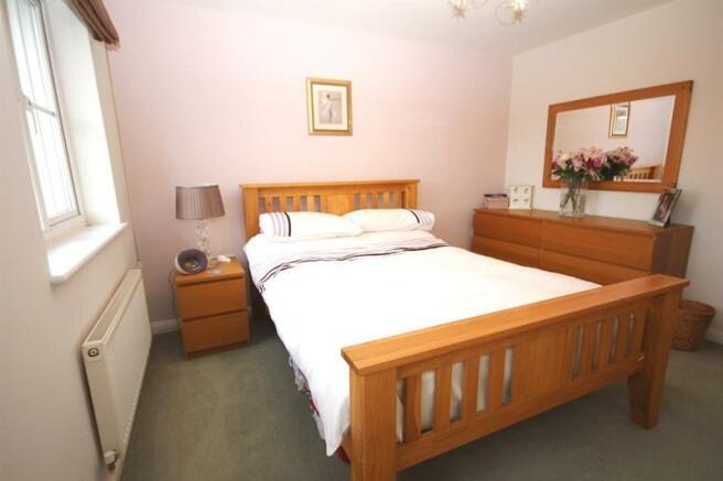 Bedroom 1 .JPG