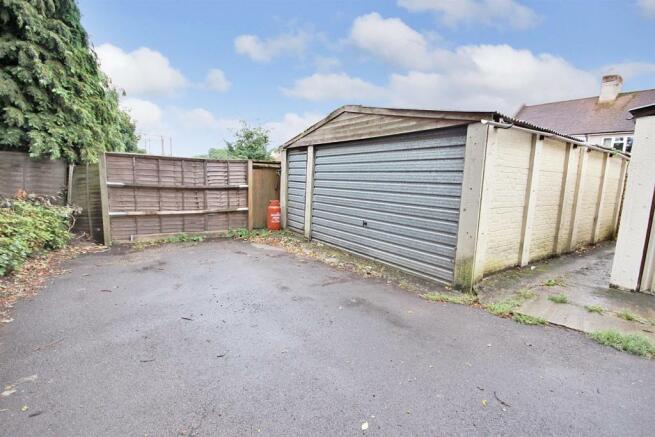 Garage.jpg BLUE.jpg