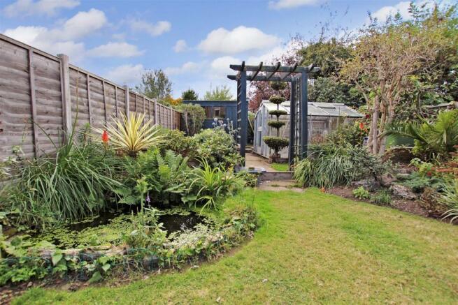 Rear of garden.JPG