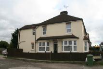 1 bedroom Ground Maisonette in Trafalgar Road, DARTFORD...