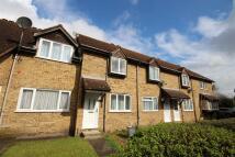 2 bed Terraced property in Falcon Close, Dartford