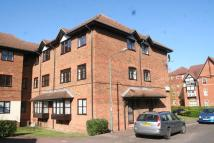 2 bed Flat to rent in Bow Arrow Lane