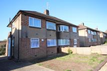 2 bed Maisonette to rent in Maylands Drive, Sidcup...