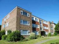 Flat to rent in Southlands Grove, Bromley