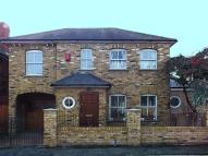 4 bed house in Park Road, Hampton Wick...