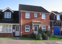 2 bedroom Ground Flat in Coral Close, Eaton Bray...