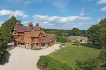 10 bedroom Country House for sale in LITTLE TRODGERS LANE...