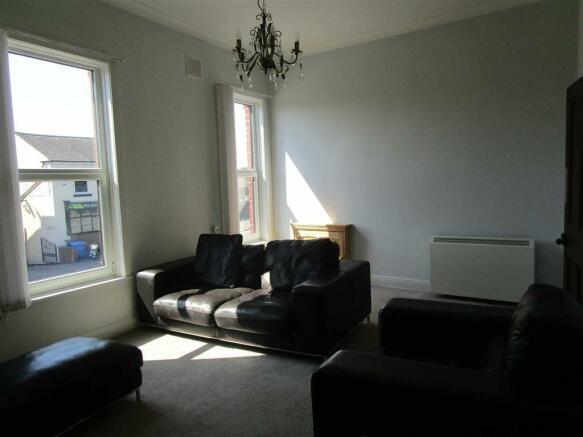 Alternate view Lounge