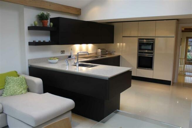 Kitchen & Family Roo