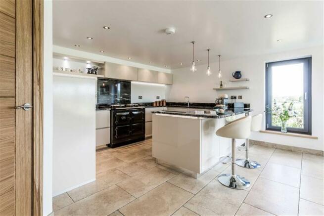 Open Plan Lounge & Dining Kitchen