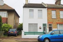 2 bed semi detached house to rent in Colchester Road...