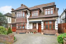 6 bed Detached property for sale in Links Avenue, Gidea Park
