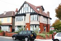 Flat to rent in Ilford Avenue, Crosby...