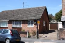 2 bedroom Semi-Detached Bungalow in St Lukes Road, Crosby...