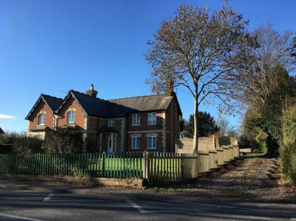 Properties For Sale In Lytchett Minster Dorset